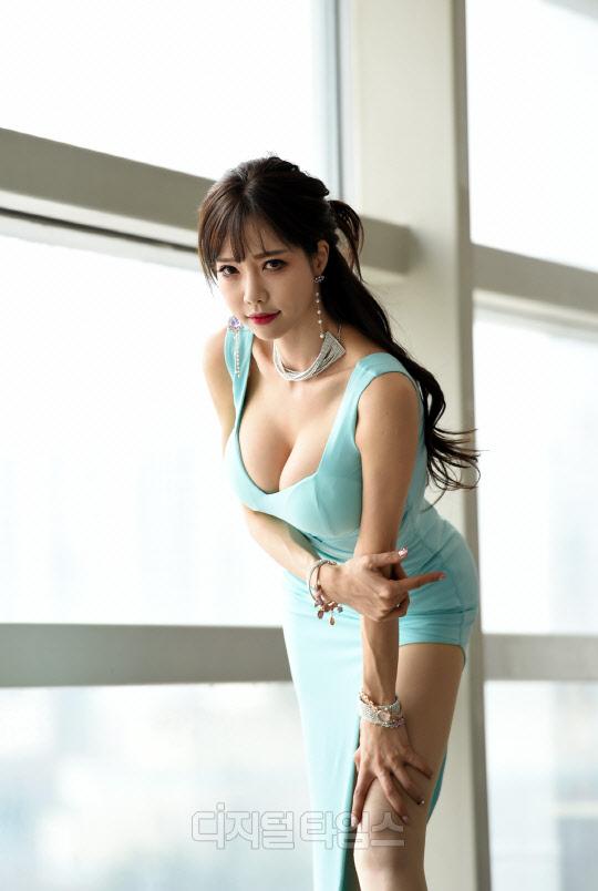 [포토]레이싱모델 한민영, 글래머러스 매력